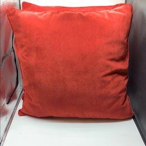 Pier 1 set of pillows